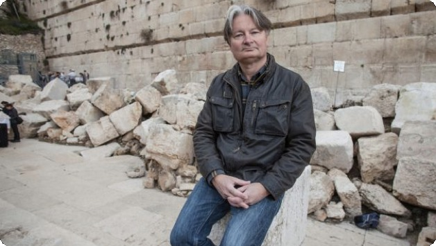 Professor Shimon Gibson at Western Wall; Photo by Emil Salman. From http://www.haaretz.com/news/features/.premium-1.635160