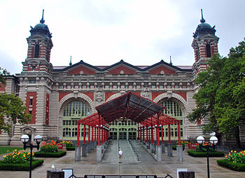 English: Ellis Island Immigration Museum entra...