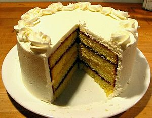 English: A layered pound cake, with alternatin...